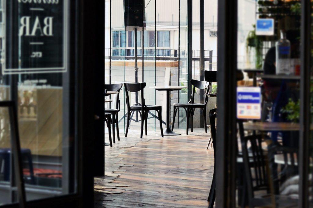 cafeteria, restaurantes y hoteles después del coronavirus