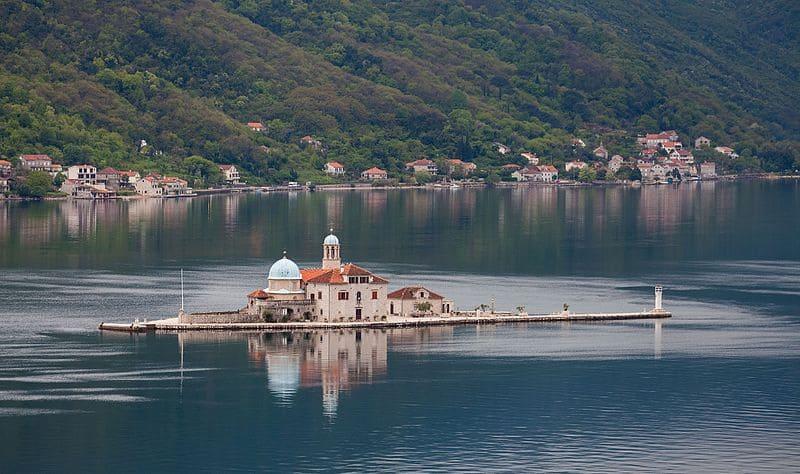 Nuestra Señora de las Rocas - Perast - Bahía de Kotor - Montenegro